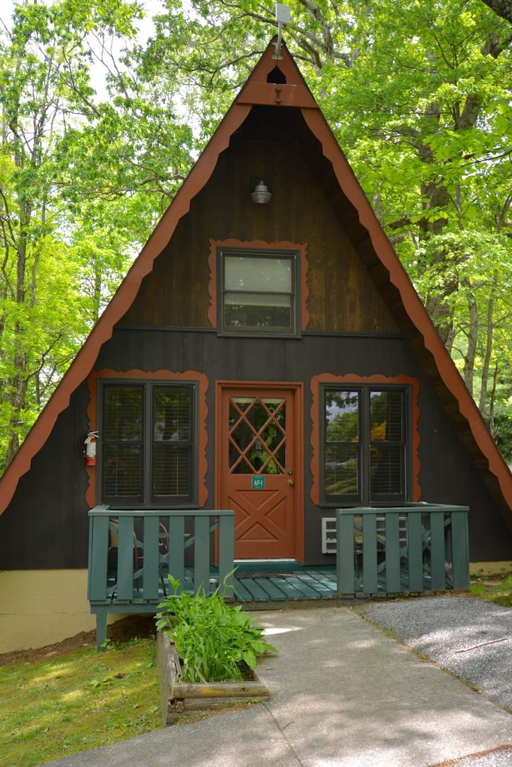 A-Frame Cabins! Located on the Switzerland Inn property. Access to all Switzerland Inn amenities! PET FRIENDLY!