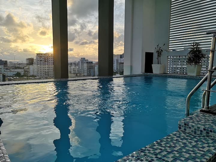 Exclusive apt in Downtown, Seaview/Pool&Cinema