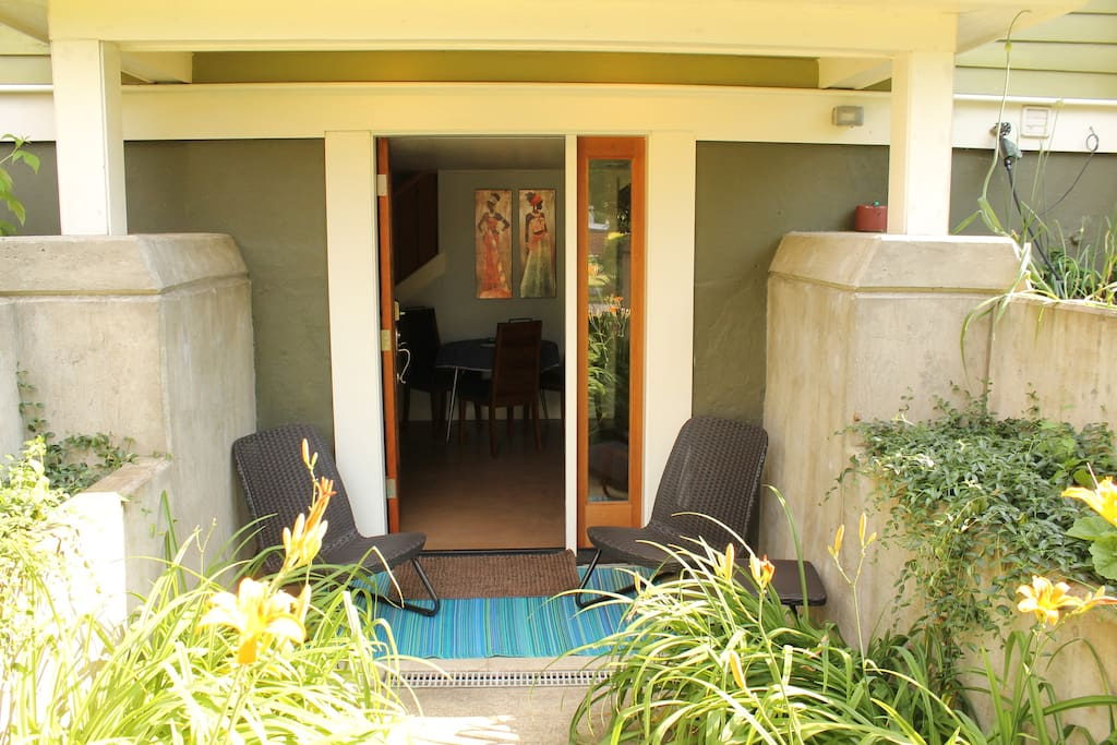 Balongo Inn 2 Bedroom Suite With Private Entrance Guest Suites For Rent In Portland Oregon