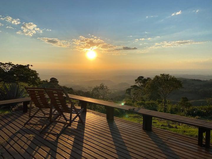 Casa de Campo na Serra com linda vista, Wifi 20mb