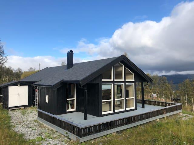 Nyere hytte på Nerskogen med flott utsikt !
