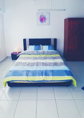 Sunway Homestay for 6pax! 5mins to Sunway Lagoon!