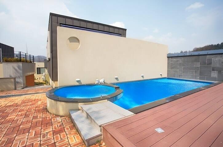 Luxury Private Town-House D동202호 - Bongpyeong-myeon, Pyeongchang-gun - Pension (Korea)