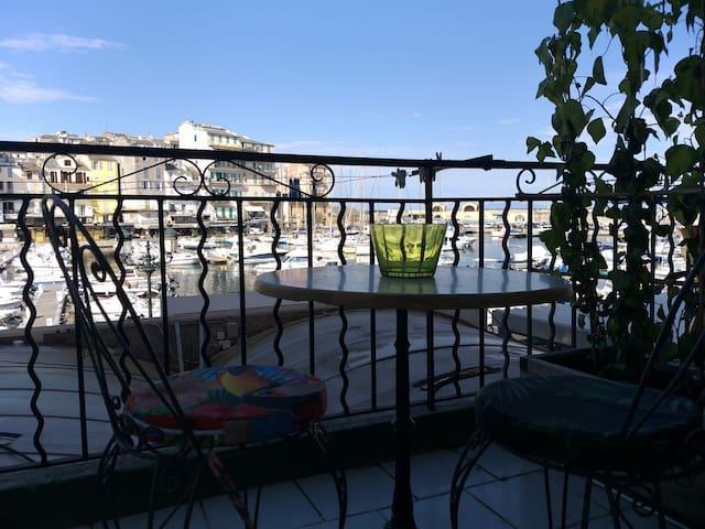 Chambre Terrasse unique Vieux port de bastia