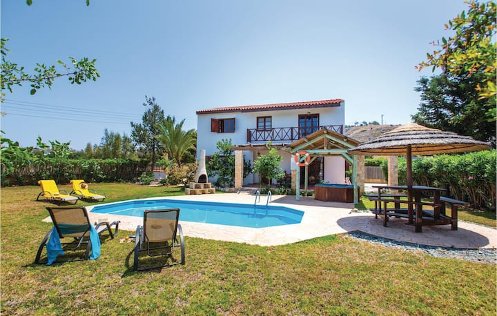 Beautiful home in Pomos with WiFi and 2 Bedrooms