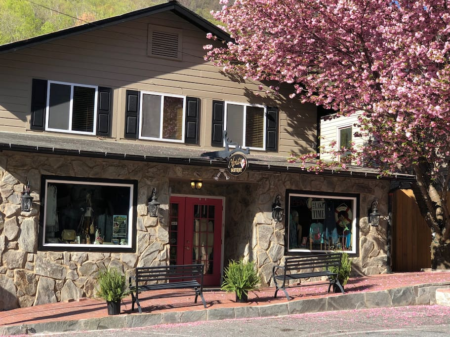 We are right on Main St. in the heart of Chimney Rock.  Walk to everything!