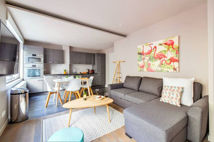 Stylish 1-Bedroom in Batignolles