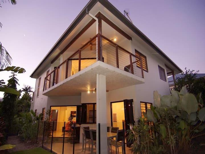 Hai Villa Port Douglas