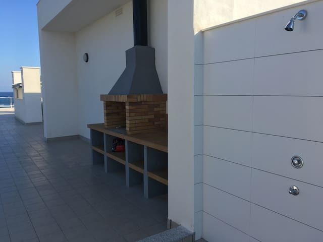 Roof terrace grill
