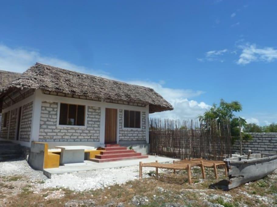 mama zal guest house bungalows zur miete in matemwe zanzibar north tansania. Black Bedroom Furniture Sets. Home Design Ideas