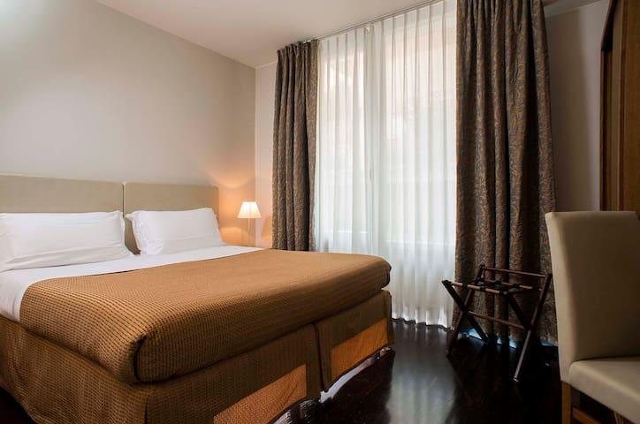 La camera da letto con comodo sommier