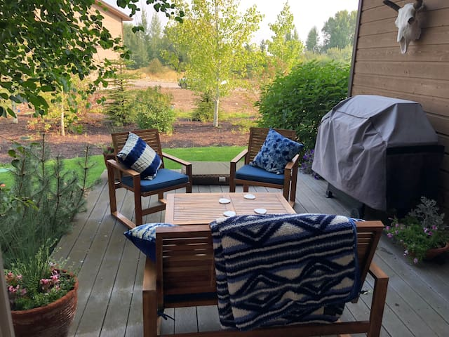 Victor-Private Bed/Bath-Tetons/Yellowstone/Targhee
