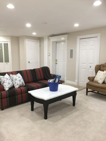 Perfect Getaway with Private Gym + Garage Parking - South Jordan