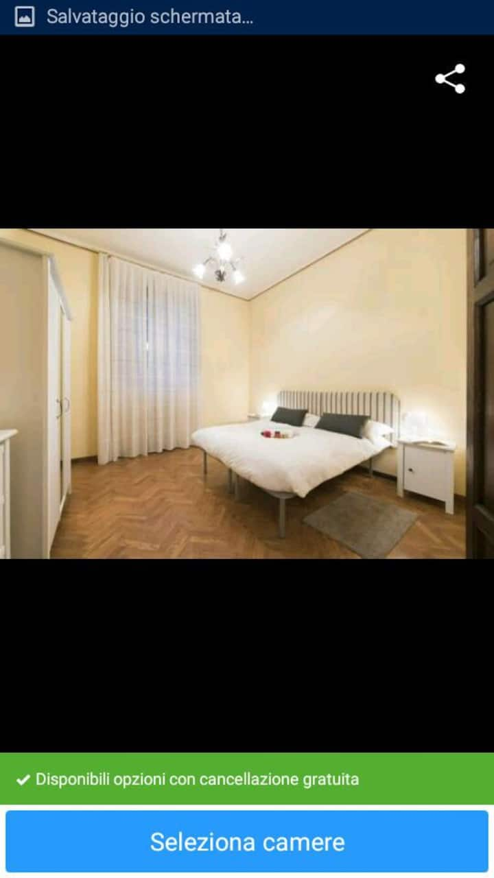 PRIVATE SINGLE BEDROOM IN SIENA JUST FOR A GIRL