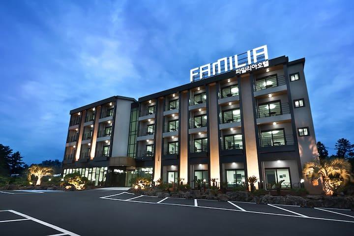 FAMILIA HOTEL JEJU - Seogwipo-si - Hostel