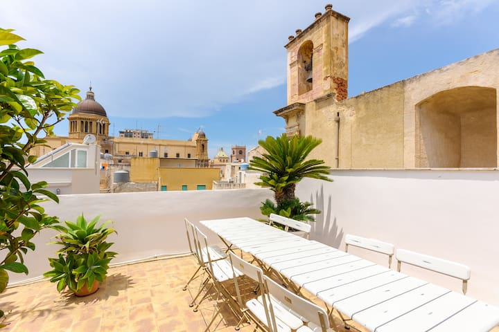 Central Flat with Panoramic Terrace - Marsala - Apartamento