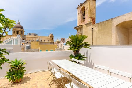 Central Flat with Panoramic Terrace - Marsala