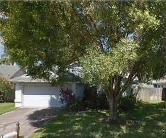 Near Airport, beaches, downtown Tampa, Yvor City - Tampa - Huis