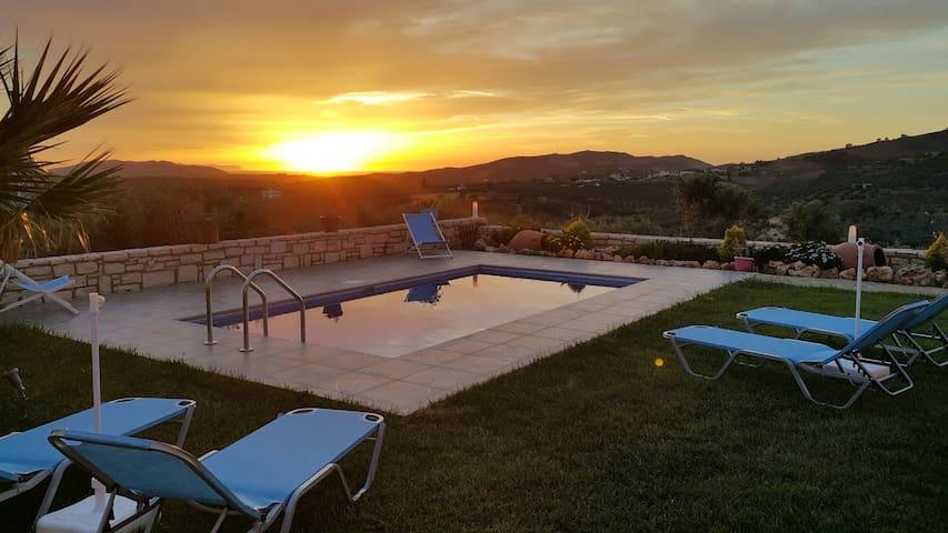 Villa Dimosthenis - Panormos - Hus