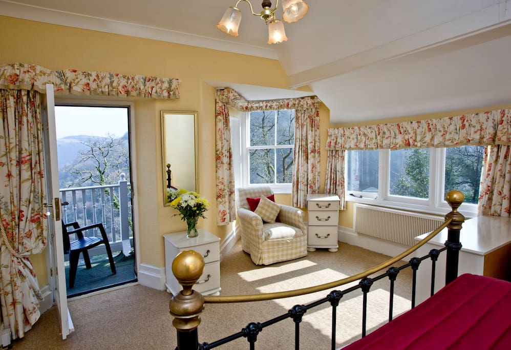 Room 2 twin aspect, sea and garden views, private balcony to sit and relax