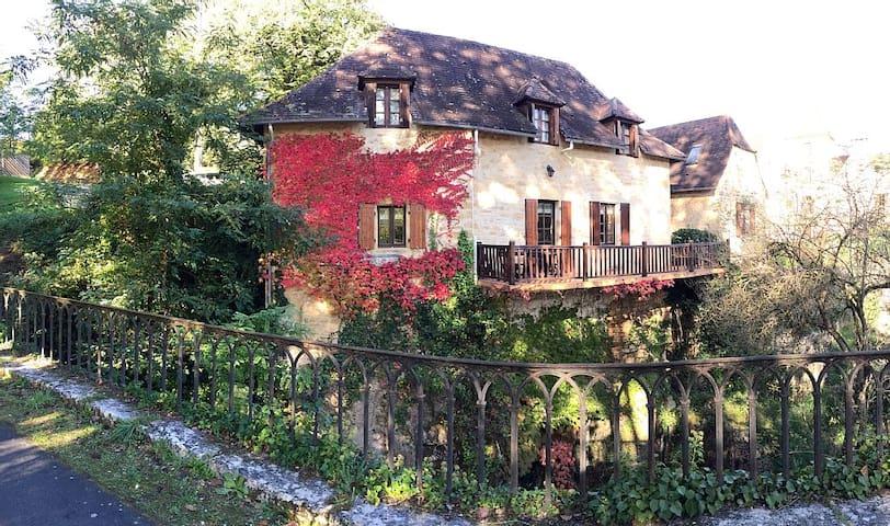 """Maison """"Périgourdine"""" au coeur d'un petit village - Carsac-Aillac - Dom"""