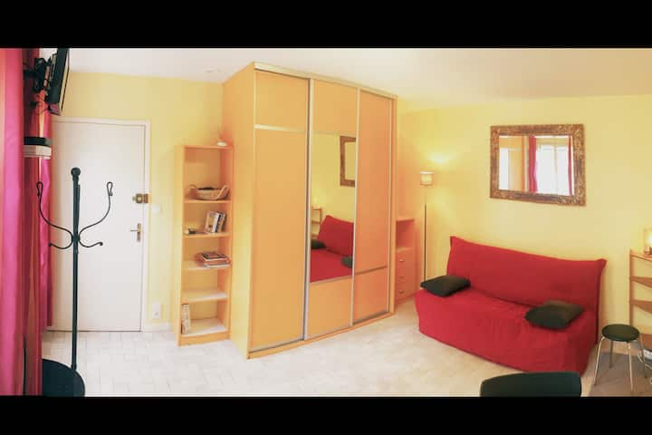 Studio Meuble 24m Hypercentre Caen Appartements A Louer A Caen Basse Normandie France