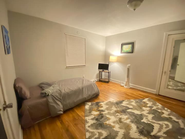 Quaint room in Southwest Detroit apartment