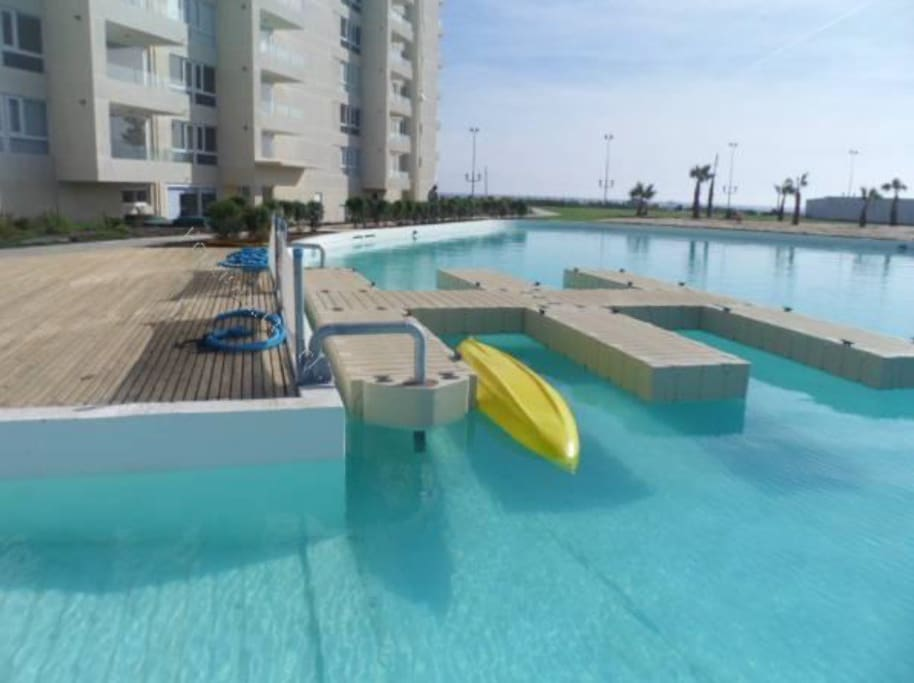 Hay kayaks para facilitar a los visitantes y navegar en la laguna, previa solicitud en conserjería.