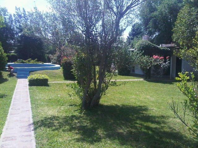 Countryside house, swimingpool, barbecue, tennis