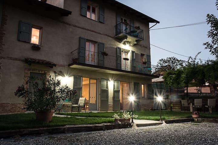 Splendida casa rustica nel Monferrato Astigiano