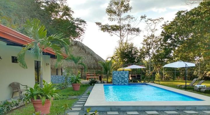 Villa Tiki  Casa Privada en Jaco Centro