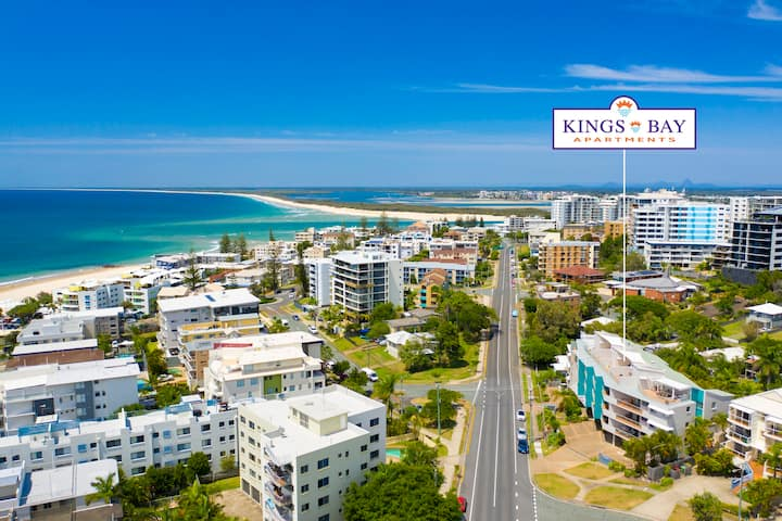 Kings Bay Apartments: 2 Bedroom Penthouse ++ views