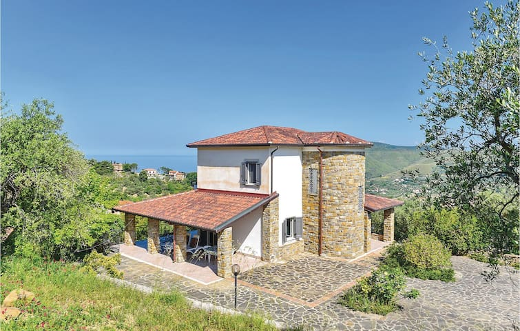 Holiday cottage with 3 bedrooms on 130m² in Perdifumo SA