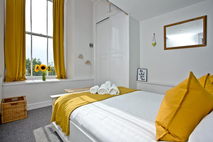 Royal William Studio: Quirky Plymouth 2 bed near Royal William Yard