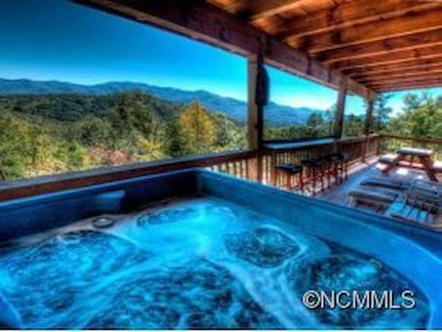 Log home with incredible views minutes from town