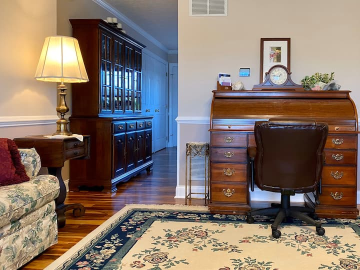 In-law Suite, Nicely Furnished (Includes Garage)