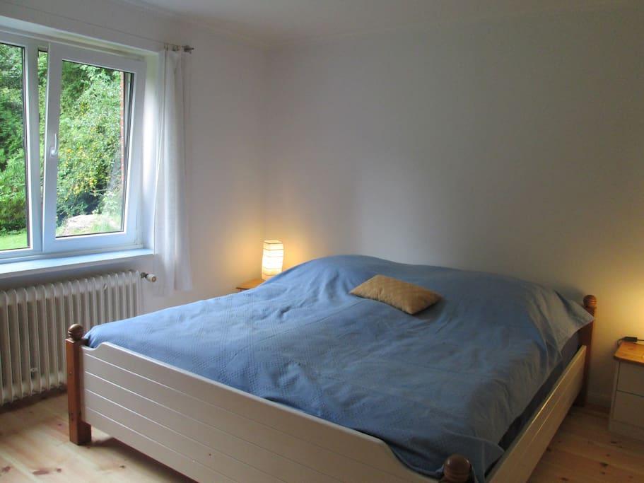 Doppelbett 1,80 m x 2 m