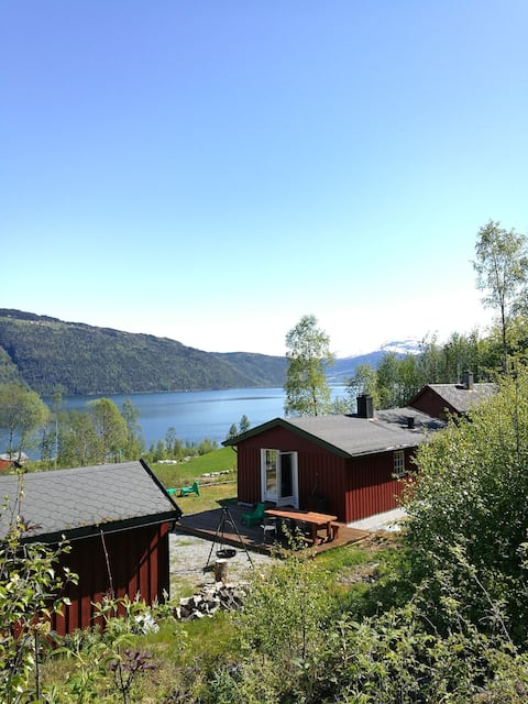 Cabin with fjordview, close to nature in Nordfjord