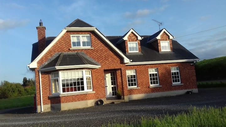 Kilmainhamwood Home with a view
