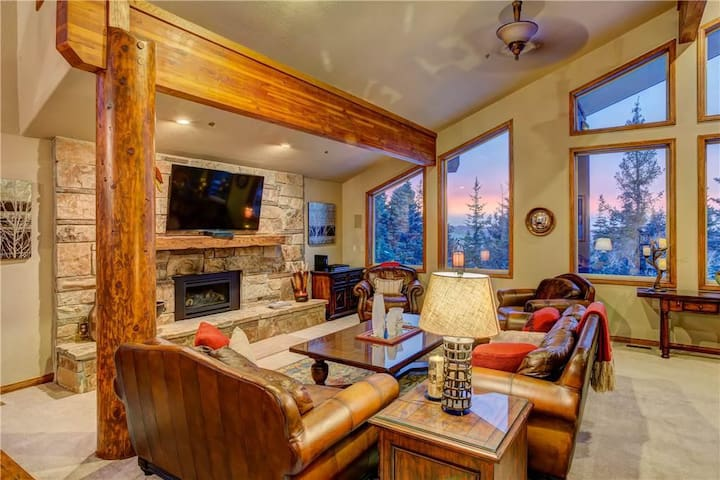 Sterling Vista: Top Rated Ski-in/Ski-out Private Home in Silver Lake Deer Valley!