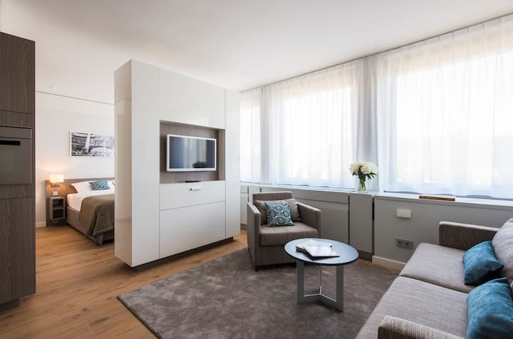 """Brera-Oper """"Amazing"""" Apartment-Your Long Stay Rate"""