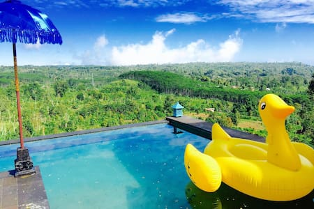 Hidden waterfall family cottage with pool and view - Banjar