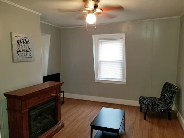 Cozy 1 bedroom apt in East Boston