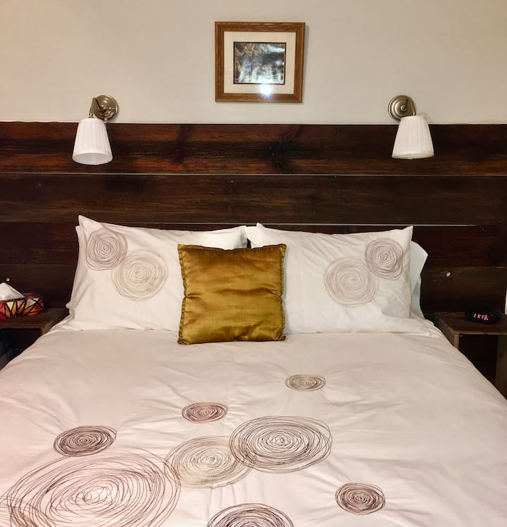 The Gardenview Guestroom - Harlem Stonegate B&B