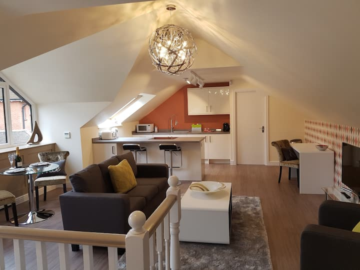Luxury apartment in parkland setting - Camberley