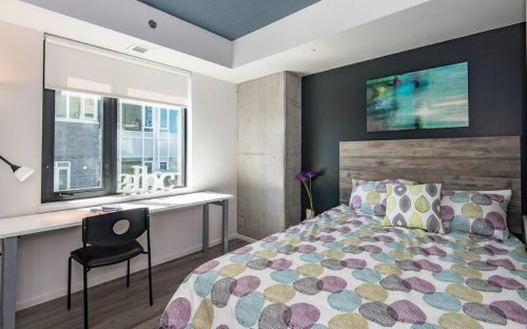 Modern 3 bedroom 3 bathroom condo. Unit #2702 - 오타와 - 아파트(콘도미니엄)