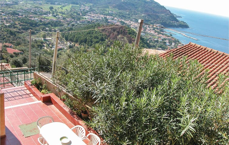 Holiday cottage with 4 bedrooms on 120m² in Castellabate SA