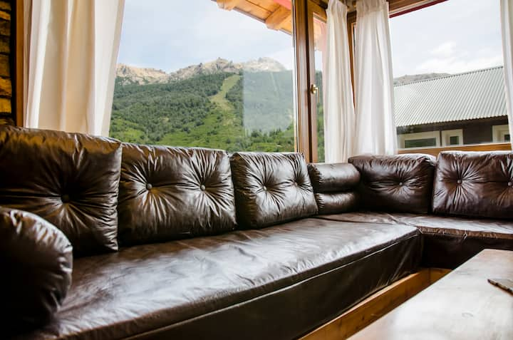 Warm and cozy mountain apartment ! (Ciervo)