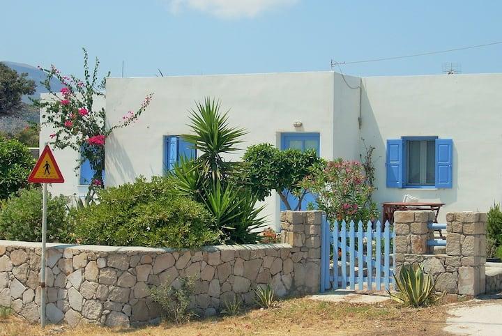 Cedar studio 2 in Achivadolimni Milos