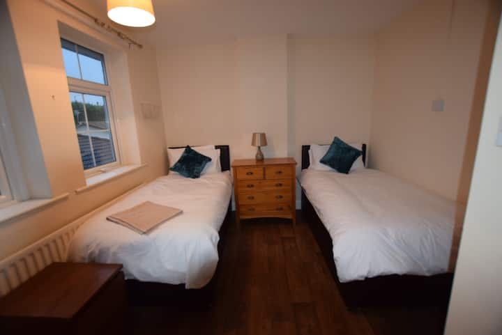 **The Watling Inn** King/2singles room**Nuneaton